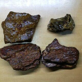 アクアリウム石4個と流木1個