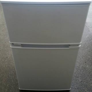 ユーイング 90L 2ドア冷蔵庫(直冷式)ホワイト【右開き】UI...