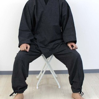 伝統亀田縞【作務衣】残り(L)のみ 男性用黒とグレー 縫製数量は...