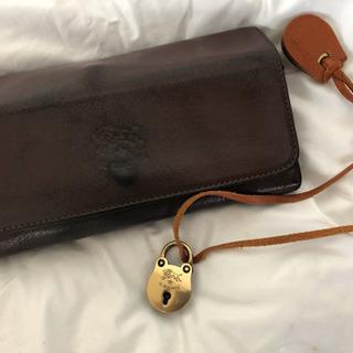 イルビゾンテ長財布 未使用チャームプレゼント