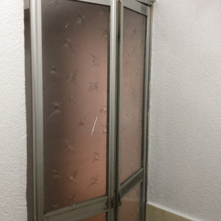 お風呂の扉交換してくれる業者さんを探しています - 助け合い