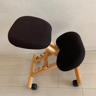 バランスチェア 姿勢が良くなる椅子 黒 ブラック 折りたたみ