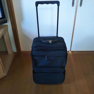 値下げ スーツケース (キャリーバッグ) 黒 中古 1度使用