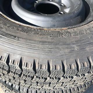 ハイエース/キャラバンの冬タイヤ鉄ホイールセット