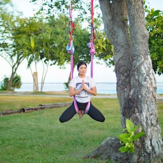 エアリアルヨガ 「ハンモックで空中へとカラダを誘う」