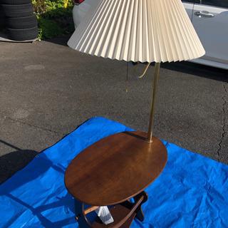 ベットサイドテーブル 照明傘付き 激安