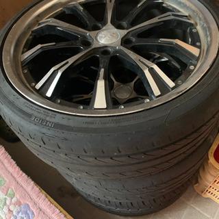 タイヤ、ホイルセット。