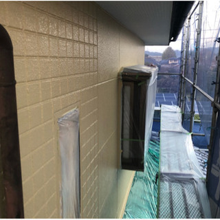 住宅の外壁の塗り替えやってます。30坪の家で25万円くらいからです。