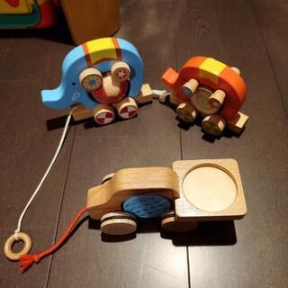 木製、象さんと車