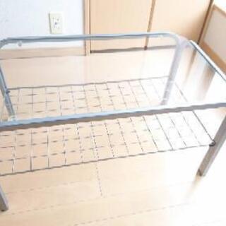 ガラステーブル(マガジンラック付き)