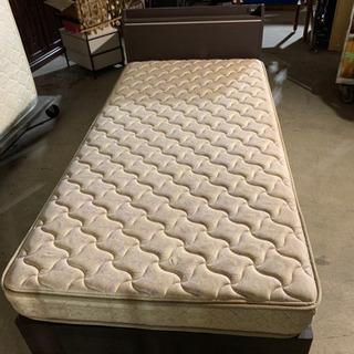 シングルサイズのベッドマットです