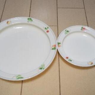 大小の皿(すくいやすいお皿)