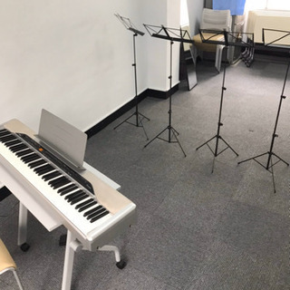 楽器や音響機器に触れる機会が増えます
