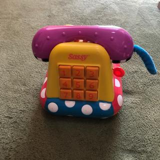 おもちゃの電話の画像