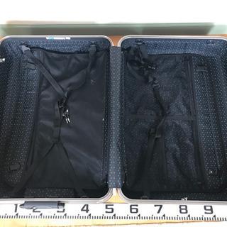 ②旅行用スーツケース