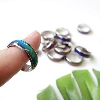 指輪 体温によって色が変わります