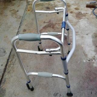 ¥1500 折り畳み式歩行補助器具