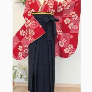 二尺袖紅に桜 着物・袴・帯・伊逹衿 4点セット