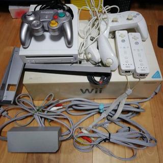 Wii 本体プラスソフト2本セットの画像