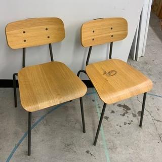 スタッキング 合板座面椅子(2脚)(うち1脚に座面にシミあり)