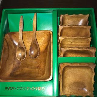 【お取置き中】【168】天然木アカシヤの手彫り