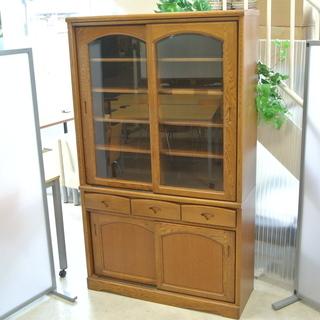 昭和レトロな食器棚 木製 ガラス戸 引き戸 角が丸っこい …