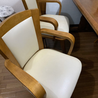 テーブルと椅子セット