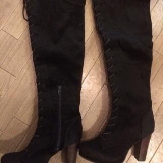 新品未使用☆padurouge ベロア調、黒の編みあげロングブー...