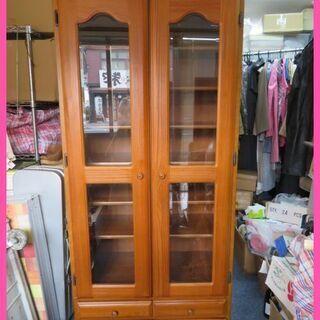 美品☆木製扉付きキャビネット・本棚・飾棚をお安くお譲りいたします。