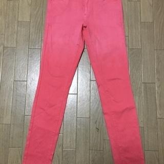 ユニクロのピンクのストレッチスキニーパンツ 25インチ
