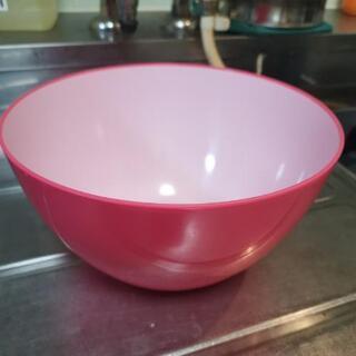 新品 樹脂製サラダボウル ピンク