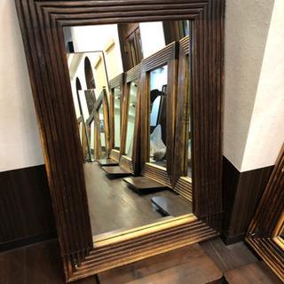 鏡(原宿の美容室でセット面鏡として使用)