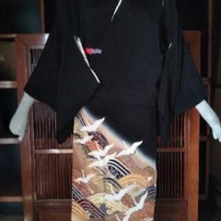 👘 正絹 黒留袖 飛鶴 青海波 駒刺繍