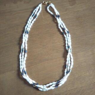 三連ネックレス