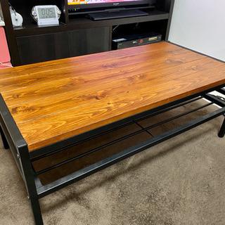 木目調のローテーブル