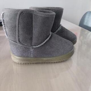 【未使用品】冬物 子ども用ブーツ