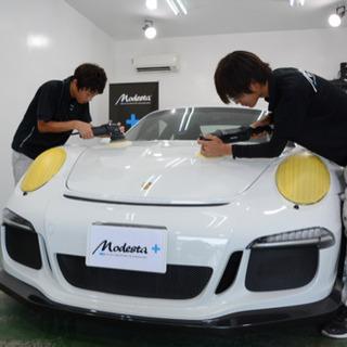 自動車の磨き、コーティング作業