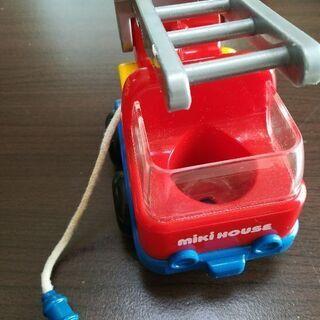 0〜1歳おもちゃ 消防車