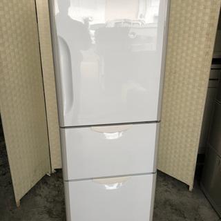 🌈🌈コンパクトなキッチンに低めの3ドア冷蔵庫☝️😁