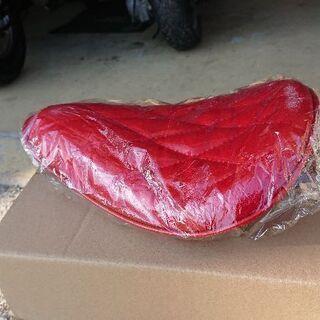 オートバイ カスタム ソロシート 赤 新品、未使用 − 福岡県