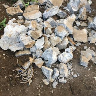ブロック塀や石譲ります