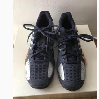 Adidas テニスシューズ サイズ22