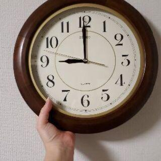丸い壁掛け時計