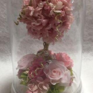 今 大人気の ピンクのアジサイとプリザでかわいいトピアリードーム