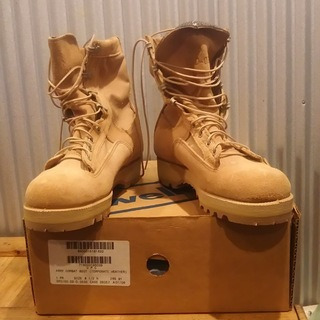 WELLCO コンバットブーツ(ベージュ系)靴箱あり。