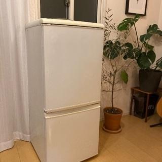 【引き取りのみ】シャープ2005年製冷蔵庫