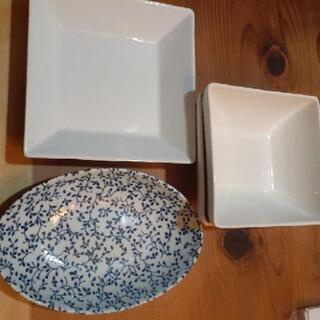食器5点 白のスクエア浅二皿白スクエア深二皿ブルー一皿