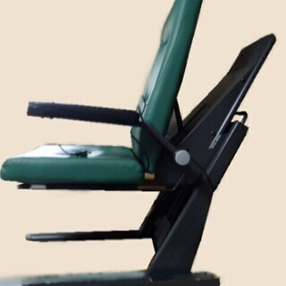 最終値下げ。1月28日まで。リクライニング付電動昇降座椅子…