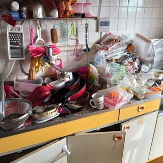 汚部屋の片づけや断捨離のお手伝いいたします