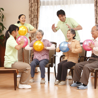 【有料老人ホーム 介護職】未経験歓迎! 研修制度充実 賞与あり
